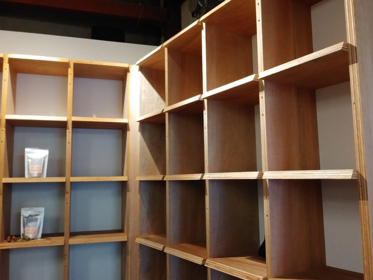 ブックアパートメントの棚